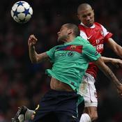 Arsenal-Barcelone Duel Clichy-Dani Alves