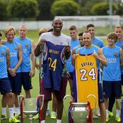 Kobe Bryant (ici avec Andres Iniesta)