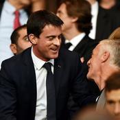 Manuel Valls (ici avec Didier Deschamps)