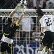Casillas réalise une sortie parfaite
