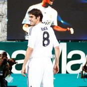 Kaka pose avec le maillot