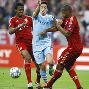 Luiz Gustavo et Jerome Boateng face à Samir Nasri