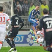 Anthony Lopes face à Valere Germain