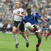 1996 : Succès face aux futurs champions d'Europe