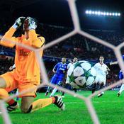 Sergio Rico ne peut rien face à Claudio Marchisio