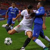 Vitolo face à Patrice Evra