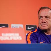 Advocaat: «La France pourrait aligner trois bonnes équipes, pas nous»