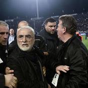 Le gouvernement grec suspend le championnat après qu'un dirigeant a menacé l'arbitre d'un match avec une arme