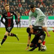 Le Bayern tombe à Leverkusen et perd en plus sa deuxième place