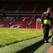 Manchester United-Bournemouth reporté à cause d'un colis suspect