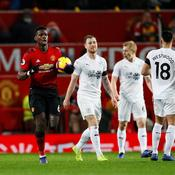 Manchester City coule, Pogba et Man U s'accrochent, Lacazette décisif