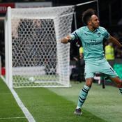 Un but gag d'Aubameyang fait le bonheur d'Arsenal à Watford