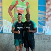 En vacances, l'insatiable Ronaldo travaille sa condition physique avec un champion du 100m