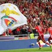 Benfica écrase Braga et prend la tête