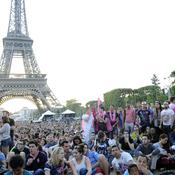 Divisé sur le sujet, le conseil de Paris valide la fan zone sur le Champ de Mars