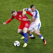 Wayne Rooney face à Marek Hamsik