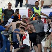 La police britannique accuse des Russes suréquipés pour se battre