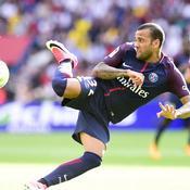 Dani Alves : «Le monde ne s'arrête pas au Barça !»