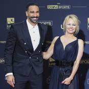 Furieuse, Pamela Anderson annonce sa rupture avec Adil Rami qu'elle traite de «monstre»