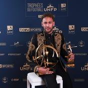 Lassé par les questions sur son avenir, Neymar zappe le sujet