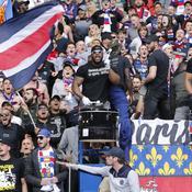Le PSG bataille avec des supporters autour du slogan «Ici c'est Paris»