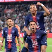 Le PSG fête son titre avec un triplé de Mbappé et le retour de Neymar