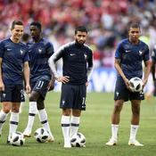 Les champions du monde célébrés dans les stades de France
