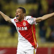 Monaco creuse l'écart, Angers craque