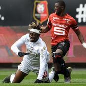 Rennes touche du bois contre Nice mais n'avance pas