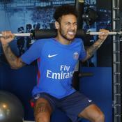 Neymar a (enfin) retrouvé le Camp des Loges et ses coéquipiers