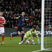 Ibrahimovic régale le Parc, le PSG surclasse Reims