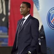 Patrick Kluivert confirme que le PSG pourrait acheter un club satellite