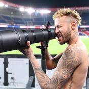 Quand Neymar prend des photos ... sans appareil