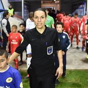 Stéphanie Frappart, première femme désignée arbitre centrale en Ligue 1