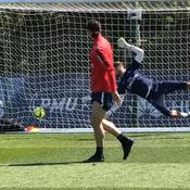 L'aile de pigeon parfaite d'Ibrahimovic à l'entraînement