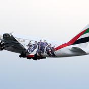 Un avion de ligne aux couleurs du Paris SG