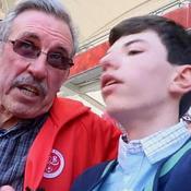 Malvoyant, il vit les matches de foot grâce à son grand-père