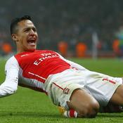 Arsenal qualifié avec la manière