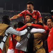 Benfica se fait des frayeurs mais rallie les quarts