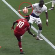 La main de Sissoko qui offre un penalty (contestable) aux Reds en vidéo