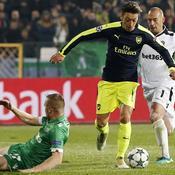 Le but extraordinaire d'Özil qui n'arrange pas le PSG