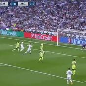 Le coup de pouce du destin qui permet à Gareth Bale de marquer face à Manchester City