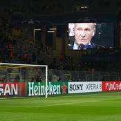 Le patron du BVB 09 Hans-Joachim Watzke sur les écrans géants du Signal Iduna Park