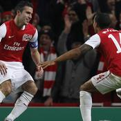 Van Persie qualifie Arsenal