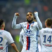 Lyon rejette une offre de 35 millions d'euros d'Arsenal pour Lacazette