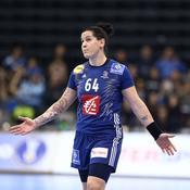 Mondial 2017 : les handballeuses françaises réagissent face à l'Angola