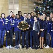 Une handballeuse championne du monde se demande pourquoi elle n'a pas reçu la Légion d'honneur