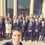 JO 2024: Estanguet tente un selfie avec Macron et le CIO à l'Elysée