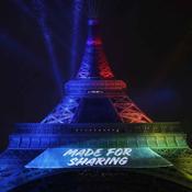 """""""Made for sharing"""", """"fait pour partager"""" en français."""