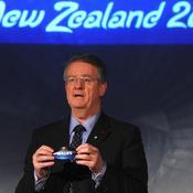 Bernard Lapasset, 25 ans à la tête des instances du rugby en 3 questions